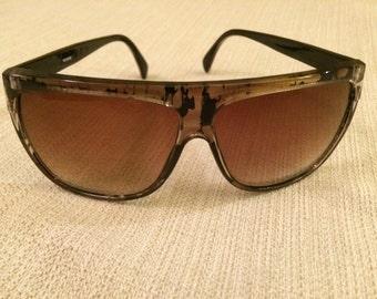 b1e058d668 90s Flat-Top Hip Hop Oversized Vintage Sunglasses Black Gold Frames Brown  Lenses