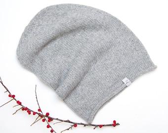 ee975636cd6 Light grey knit hat