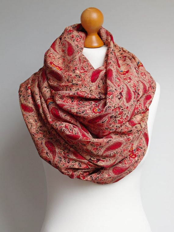 Lightweight  infinity scarf  for women, floral pattern scarf for women, mum gift idea, lightweight autumn scarf wrap