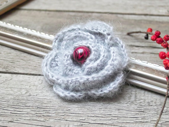 SALE Crochet FLOWER BROOCH pin Crochetted flower coat pin, gray crocheted flower pin, gift ideas