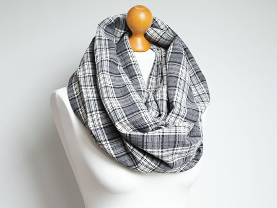Oversized plaid infinity scarf, gray plaid infinity scarf, large snood, hooded circle scarf, large cotton scarf for women, Christmas gift