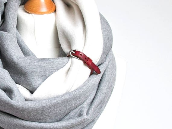 CHUNKY Scarf with leather cuff, oversized scarf, hooded scarf, winter scarf, high street fashion infinity scarf, cozy SNOOD, gift for her