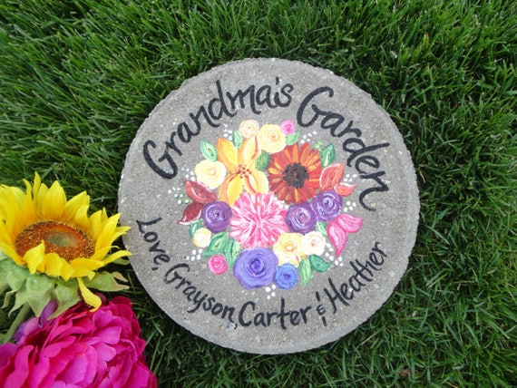 MOM GRANDMA MOTHER FRIEND SISTER HEART STEPPING STONE GARDEN DECOR GIFT OUTDOOR