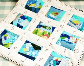Quilt baby patchwork newborn modern crib pram stroller bedding mini blue white navy green black alphabet number nursery boy baby shower gift