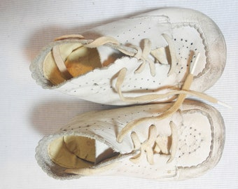 1950s White Leather Toddler Shoes