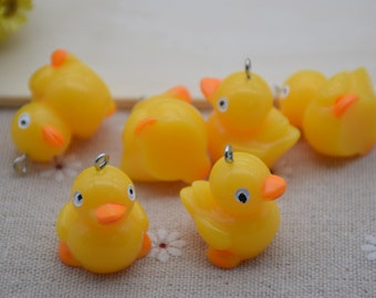 6 Duck charms antique silver tone B71
