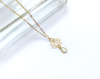 Chain necklace with vintage pendant handmade in Montreal