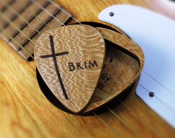 Wood Guitar Pick Case Quarter Sawn Sycamore Engraved Personalized Slimline