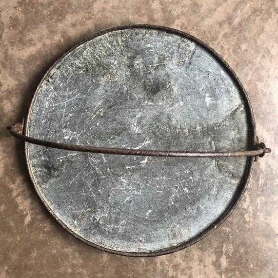 1930s Vermont picked soapstone trammel griddle, round