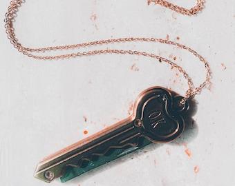 Knife necklace, Key knife necklace, Pocket Knife Necklace, Hidden knife necklace, Hidden blade necklace, Hidden knife, Hidden blade