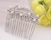 Bridal hair pins silver Wedding hair comb Bridal hair clip pearl rhinestone hair accessories Crystal Bridal hair comb,wedding comb for veil