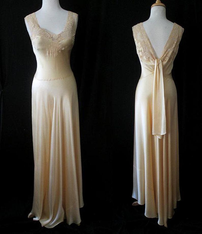 4ba25e2d51467 Elegant 1940's liquid silk satin & Lace bias   Etsy
