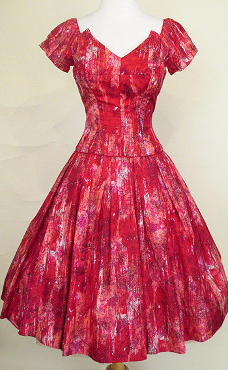 8a760eeee04 Lovely Silk Print 1950 s Party Dress with Scalloped Neck