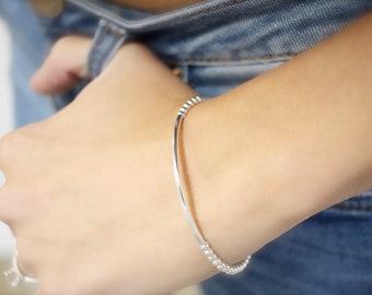 Dainty silver bracelet • Minimal bracelet • Silver bracelet • Sterling Silver bar bracelet • Sterling silver bracelet • beaded bracelet