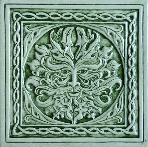 Celtic Greenman Armband: Relief Carved Celtic Green Man Ceramic Tile