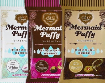 One packet of Mermaid Puffy Clay 50g. Comes in White, Biscuit or Chocolate. Good for crafts and deco sweets.