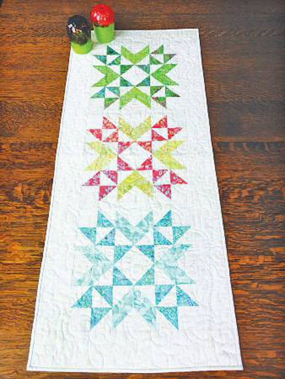 Wyoming Stars Table Runner Quilt Pattern Cut Loose Press Etsy