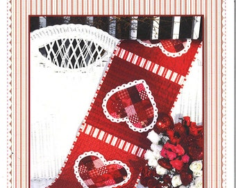 Patchwork Valentine Quilted Table Runner Pattern - Shabby Fabrics - Quilt Pattern - Valentine's Day Decor