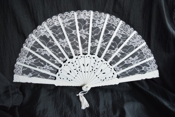Vintage White LACE Fabric FAN Folding Floral Victorian Style Decoration Tassel Ribbon Ladies Lady Woman Women Wedding Accessory Decor Shower