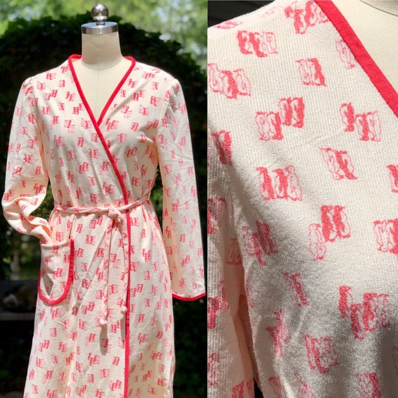 vintage 1960s bathrobe / vintage lingerie / 60s ho