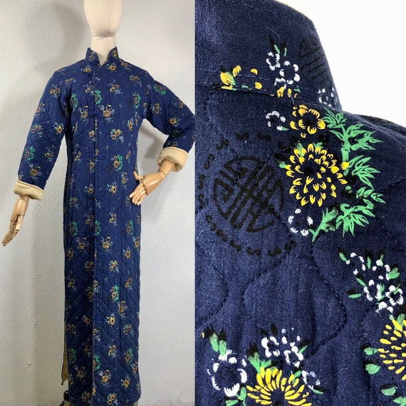 1940s robe / vintage cotton quilted mandarin asian