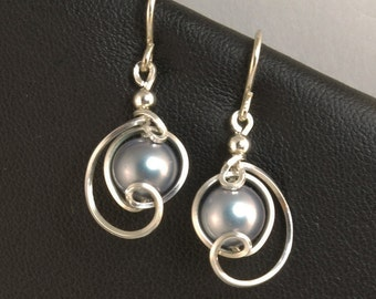 Gray Pearl Silver Small Drop Earrings, Gray Majorca Pearl Unique Wire Wrapped Dangle Earrings, Wedding Bridesmaid Jewelry