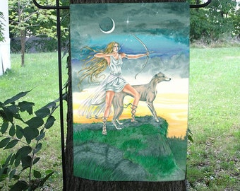 Maiden Huntress, Diana, Artemis Garden Flag
