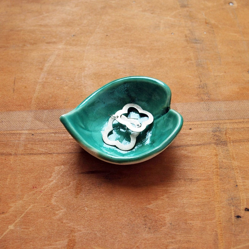 Bridesmaid Gift Tea Bag Rest Ceramic Real Leaf Impression Jewelry Dish Teacher Gift Plant Lover Green Leaf Bowl Ring Dish Pottery