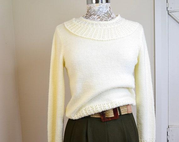 Feminine Butter Cream Knit Pullover Jumper w/ Round Crochet Collar - Wrist & Waist Details in Knitting - Vintage 70's Granny - Sm AUS 12