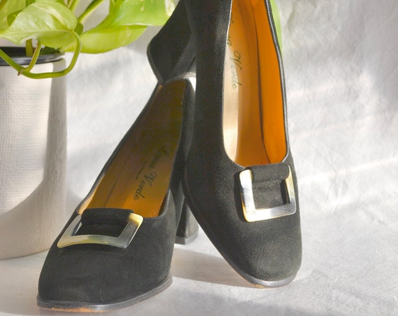 90's does 60's Black Suede Chunky Heel Pumps by Linea Verde Australia. Lovely Tortoise Shell Buckle in Front - Square Wide Heel - Size 5.5