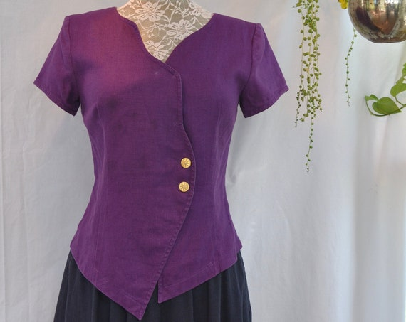 As Is Sale* 90's Purple Linen - Sweet Short Sleeve Top in Bright Violet Dyed Linen. Fitted Shape, Gold Buttons - Sz SMALL