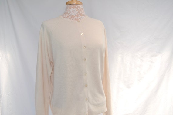 SALE** Vintage Courtelle Cardigan in Plain Soft Vanilla Cream. Late 50's Made in Great Britain - UK 16 - US 12 - Large