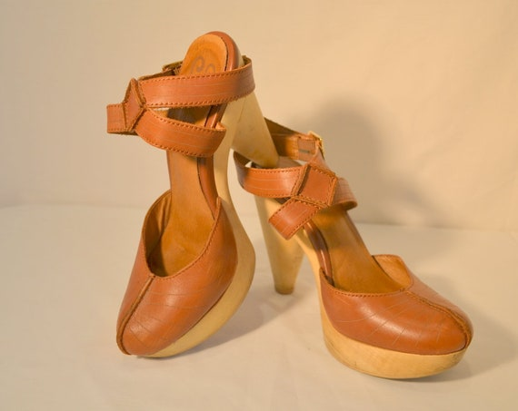Strappy Sexy Vintage Rust Leather Platform Heels w/ Ankle Straps by Seychelles Los Angeles - sz 6
