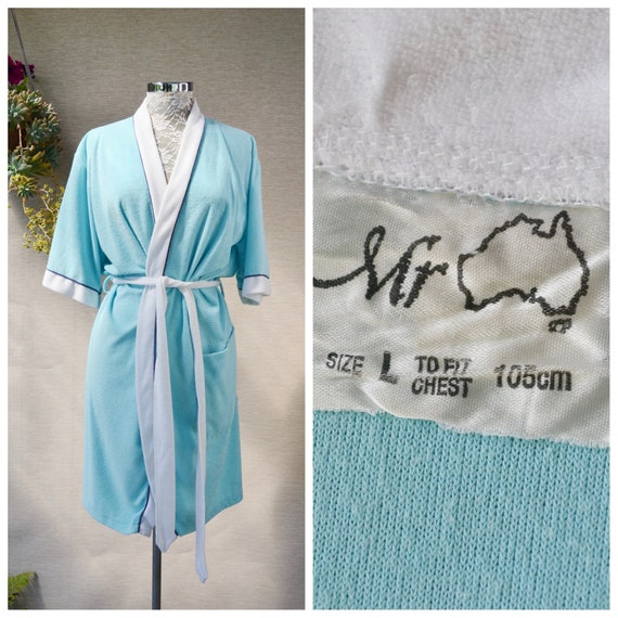 Lovely 1960's Knee Length Short Summer Robe in Aqua Blue, Large Pocket & Tie at Waist - Vintage Unisex Dressing Gown - One Size
