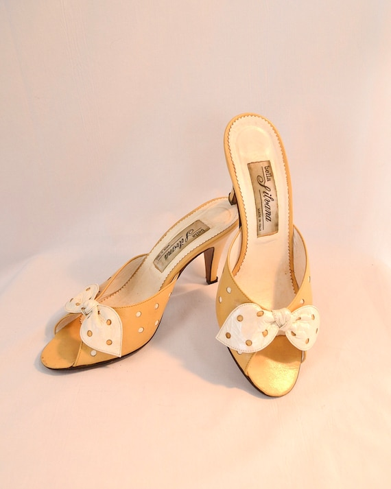 Butter Yellow Cream Bow 1950's Peep Toe Leather Heels - Costume Condition - Made in Italy - 36