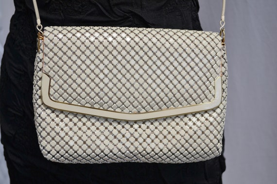 Vintage Butter Cream Chunky Chainmetal Handbag - Long Chain Strap Glomesh Bag in Excellent Condition