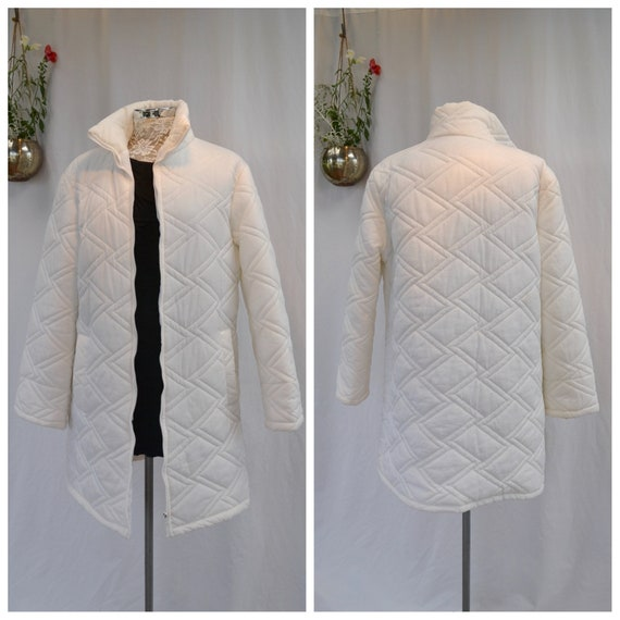 70's Vintage Winter White Parka Puffer Jacket - Nylon Diamond Pattern Quilted, 3/4 Length, Pockets, High Collar - Medium