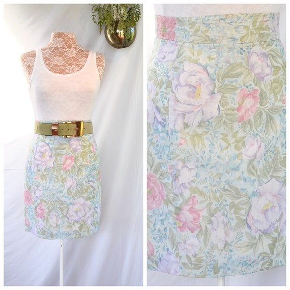 "Parisian Pastel Pencil Skirt - French Designer Linen Rayon Soft Floral- Fully Lined -   26"" waist - Aus 10 - US 6"