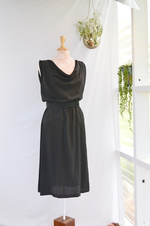 Classic Black Sophisticated 70's Shimmering Satin Sleeveless Summer Funeral Dress. Scoop Neck - Cinched Waist - Matching Belt - AUS 10