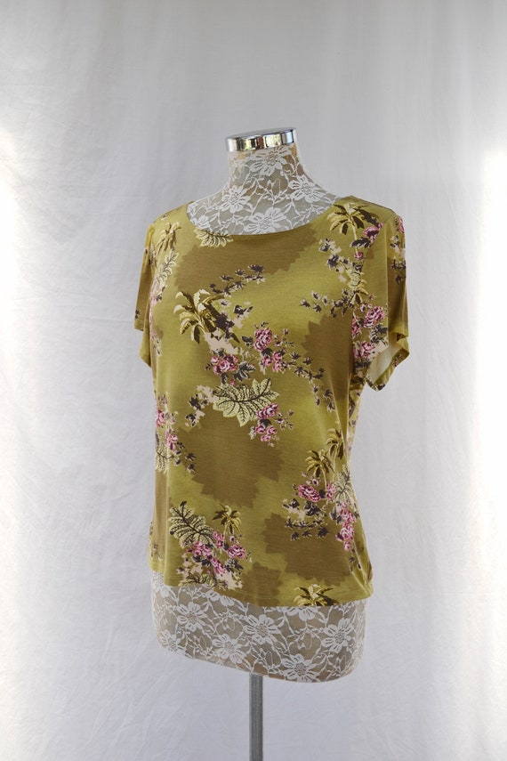 Cute 90's Chartreuse Crop Top w/ Pink Roses Print by Blooms in Sydney - Soft Spun Rayon Spandex Bland - Medium