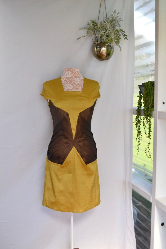 SALE* CELINE Designer Bodycon Snug Fit Super Stretchy Cocktail Dress. Mustard & Iridescent Brown - L