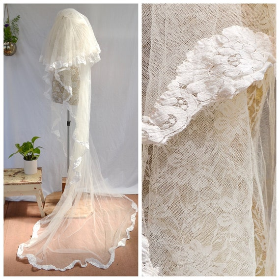 Vintage Bridal Veil + Train -60's Tulle & Lace - Tiered w Lace Trim. Off-White Antique Lace.   2.5 Meter Train