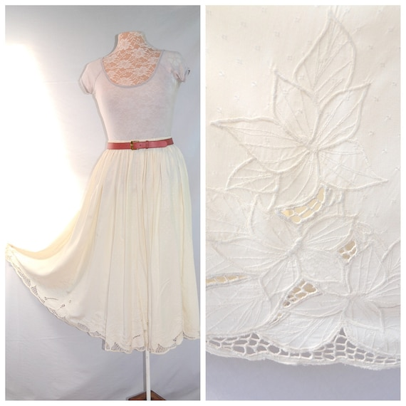 Vintage Beautiful Bali Cutwork Lace Detail Elastic Waist Maxi Full Skirt w/ Pockets - Lux Cream Rayon - Med - Large - One Size Fits Most