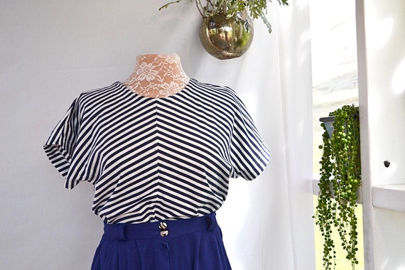 90's Navy Stripe Crop T Shirt - Soft Cotton - Sm Med
