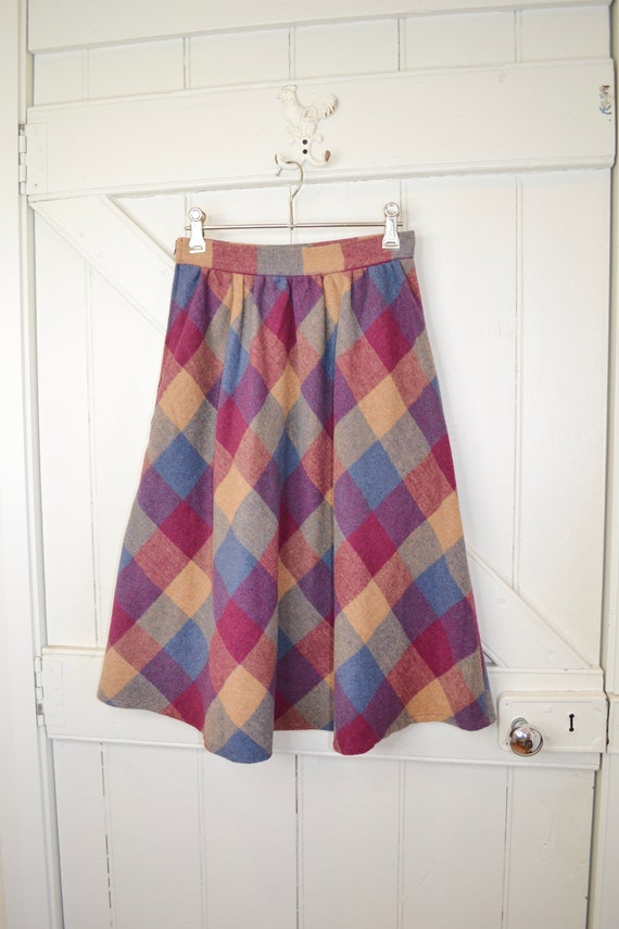 """70's A-Line Wool Skirt in Beautiful Fall Autumn Colours - Classic Preppy Large Gingham Check, Cotton Lined - 24"""" Waist - AUS 6 - US 2"""