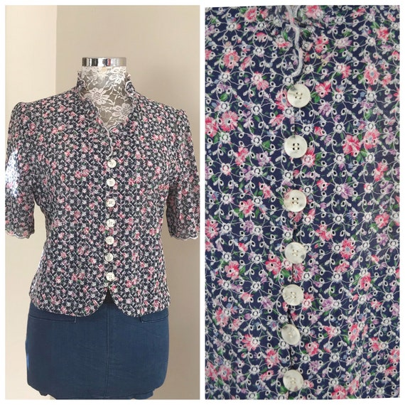 Gorgeous Eyelet Allover Embroidered Blouse in Navy Floral - Short Sleeves, Ruffle Round Collar, White Oversized Buttons in Front -Small, Med