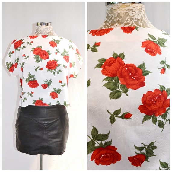 Lovely Vintage Simple Crop Top in Classic Red Roses - Silky Satin Loose Fit - 90s Minimal Boxy Blouse - Small