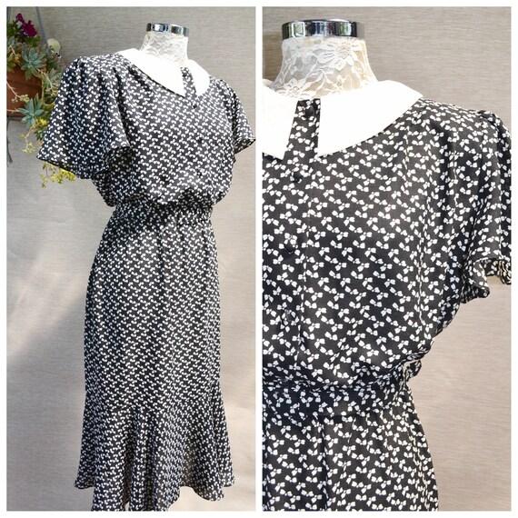 80's does 40's Hollywood Glam Day Dress - Black & Cream Bow Pattern, Mermaid Skirt, Bell Sleeves. Vintage Hourglass Bombshell - Med