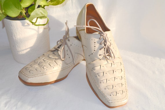 RARE 1970's John Frith Leather Bowling Shoes - Funky Tie Oxford Loafers in Light Beige - Made in South Australia - Mens 7.5 - Womens 9