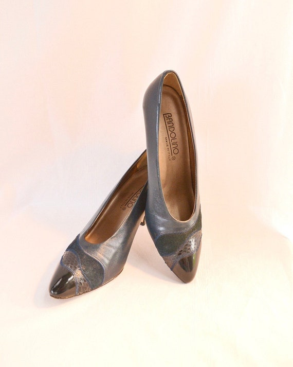 Bandolino Pumps 5.5 W - Navy Leather Snakeskin Suede Patchwork Detail - Made in Italy